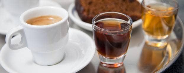 Koffie en thee Shutterstock Olga_Anourina