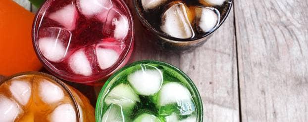 Glazen met limonade