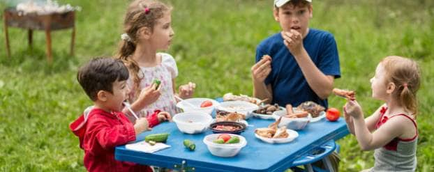 Eten met kinderen shutterstock Pavel L Photo and Video