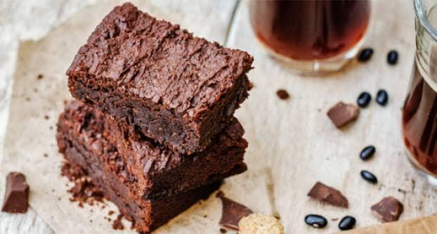 Brownies - Shutterstock Nataliya Arzamasova