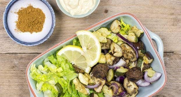 Falafel salade met gegrilde groenten