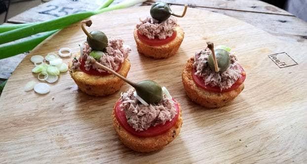 Hartige cupcakes met tonijn