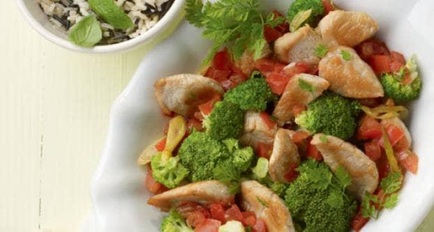 Kalkoenreepjes met groente en rijst