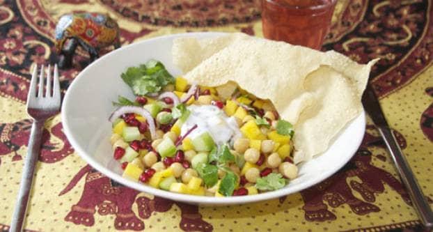Kikkererwten-salade met specerijen-yoghurt