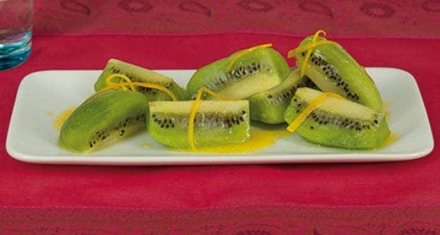 Kiwi met sinaasappel-vanillesaus