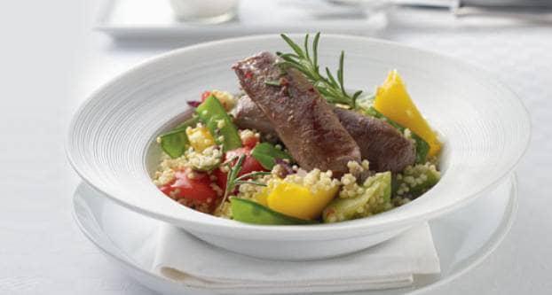 Uitmuntende lamsfilet met groentegierst