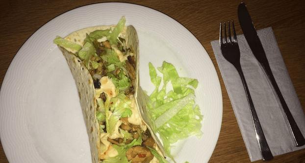 Warme tortilla met kip