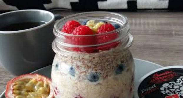 Overnight oats fruit