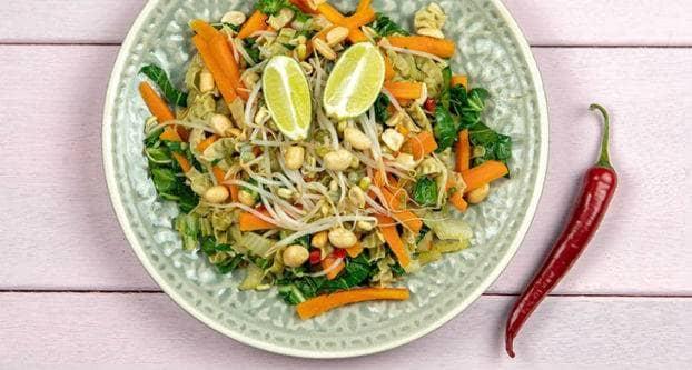 Pad Thai met green soya bean noodles