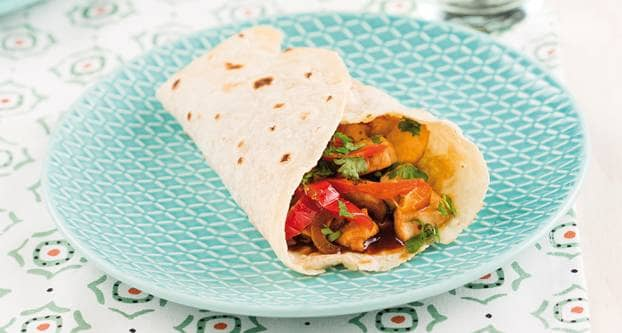 Wraps met kip en gepofte paprika