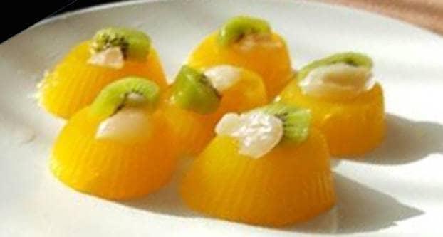 Romige sinaasappel pudding