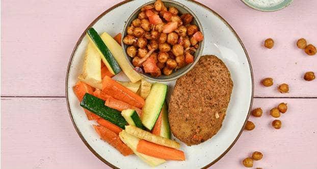 Tofu-speltburger met groentefriet