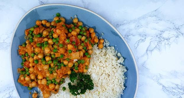 Vega curry met bloemkoolrijst