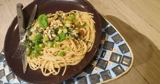 Volkoren spaghetti, zalm en groenten