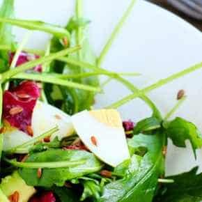 Japanse salade met avocado en wasabidressing