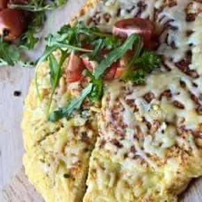Bloemkoolfrittata met kaas en tomaat