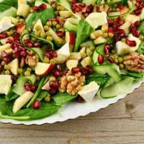 Feestelijke salade met brie