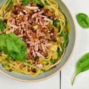 Volkoren spaghetti met romige pompoensaus