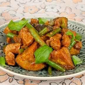 Varkensvleescurry met aubergine
