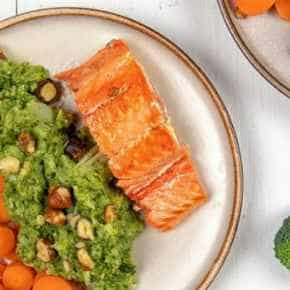 Broccoli­puree met zalm
