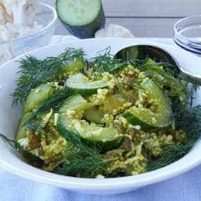 Komkommer-kerrie-roerbakschotel