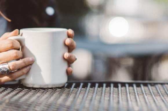 Hoe maak je zoete thee zonder suiker?