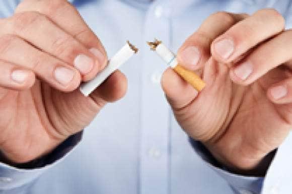 Stoppen met roken verkleint de kans